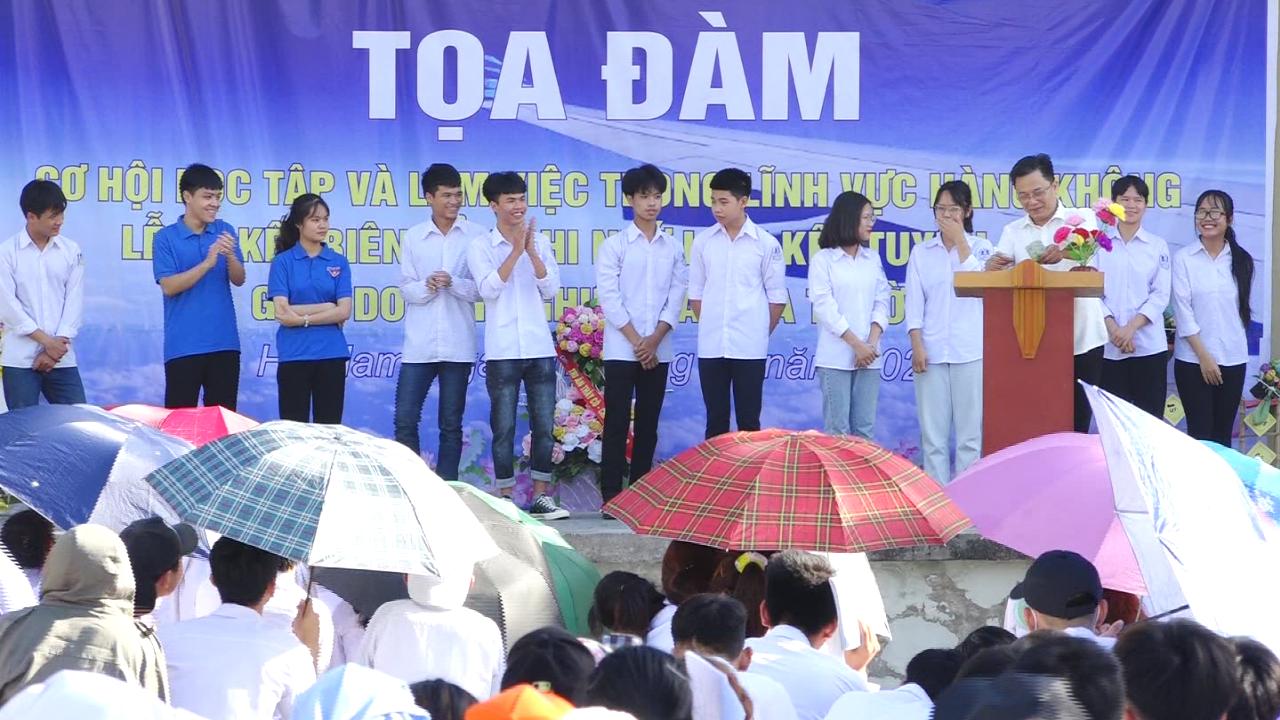 VNAS Phối hợp tổ chức tọa đàm hướng nghiệp nghề Hàng không tại Trường THPT Nguyễn Khuyến tỉnh Hà Nam