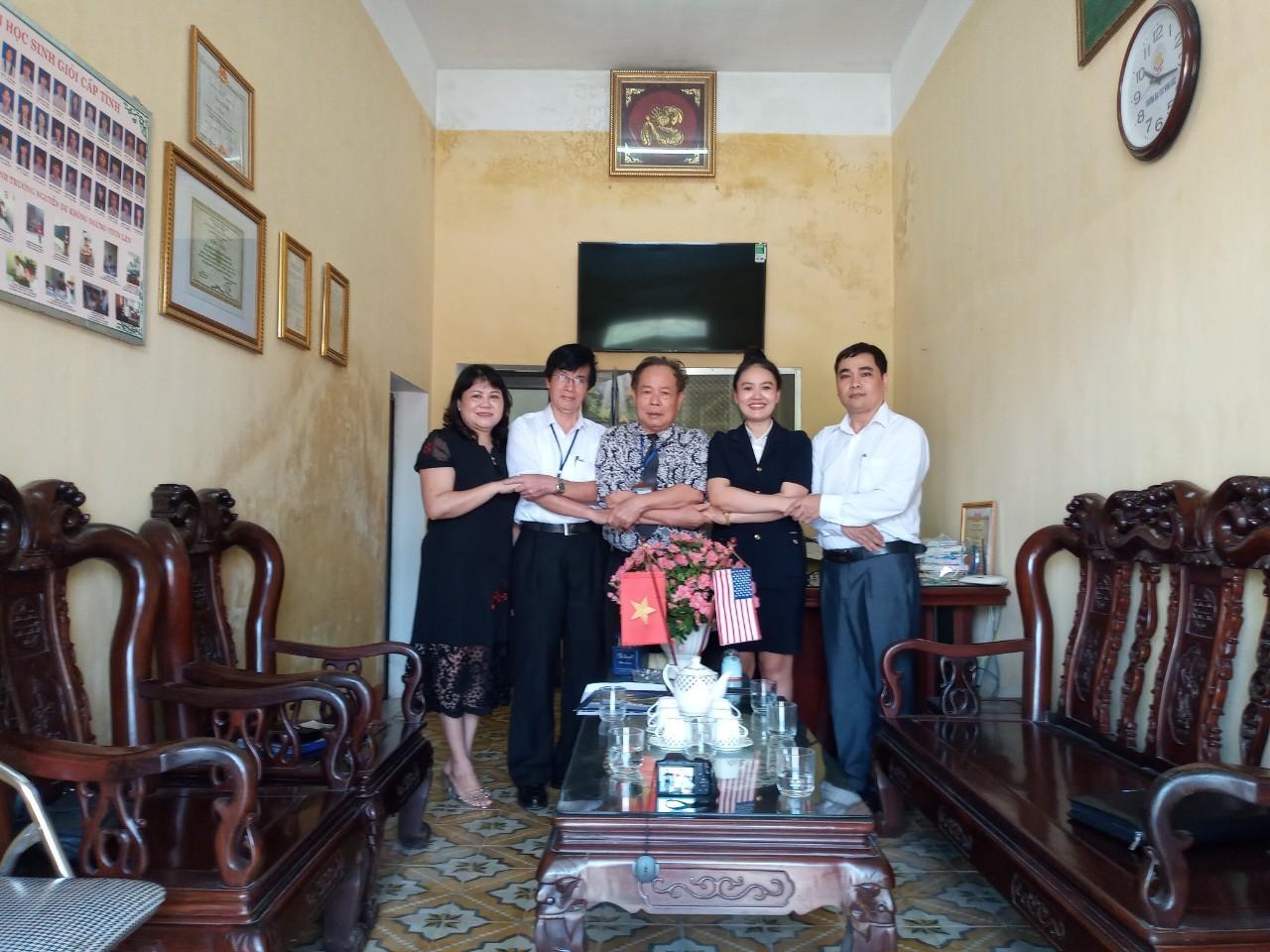 Chuẩn bị cho chương trình tổ chức tọa đàm tại Trường THPT Nguyễn Du tỉnh Bắc Ninh, THPT An Dương thành phố Hải Phòng