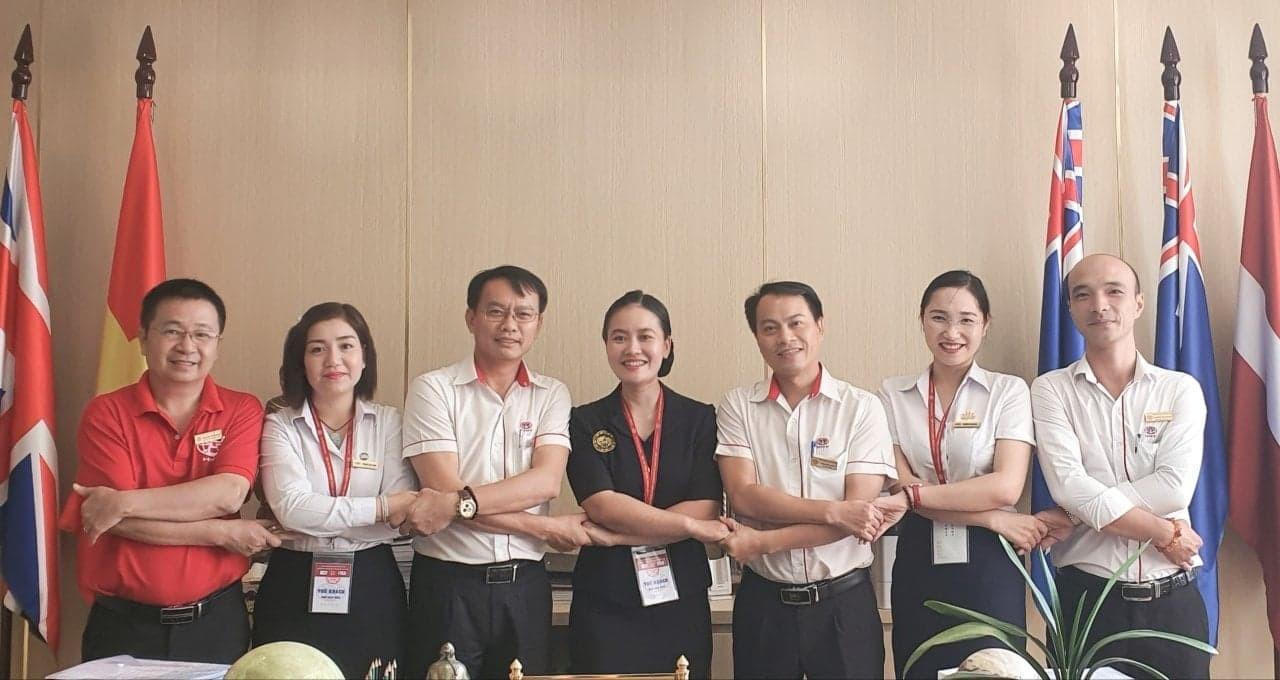 TTrung tâm Đào tạo Hàng không VNAS đơn vị trực thuộc Công ty Cổ phần Đào tạo Huấn luyện Nghiệp vụ Hàng không Việt Nam thăm và làm việc tại Trường Cao đẳng Nghề Công nghệ Cao Hà Nội