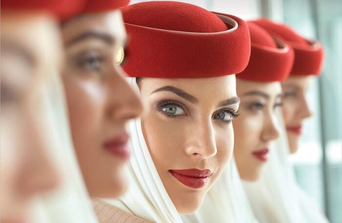 Lý do tiếp viên hàng không luôn tô son đỏ,….