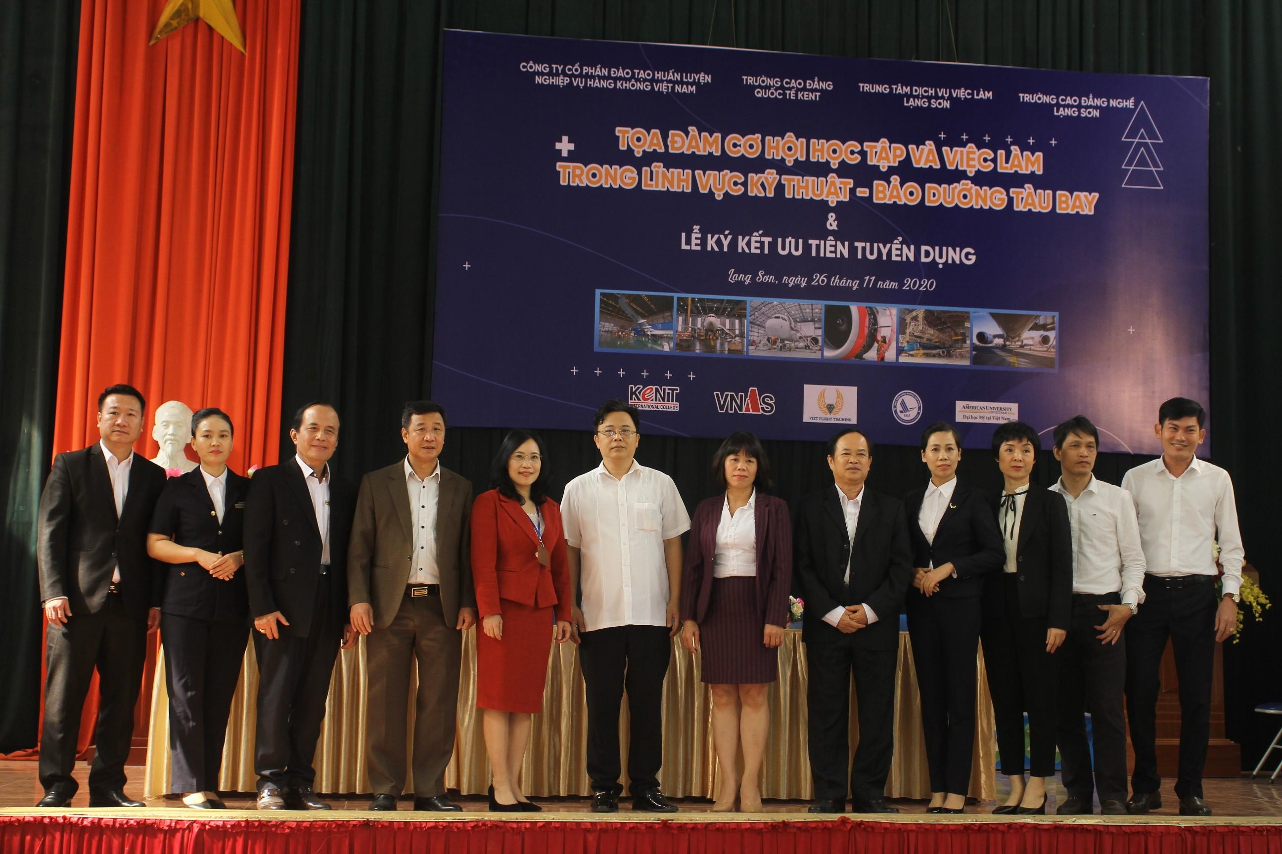VNAS hợp tác trong tuyển sinh, liên kết đào tạo nghề hàng không gắn với thực tế - cơ hội việc làm trên địa bàn tỉnh Lạng Sơn