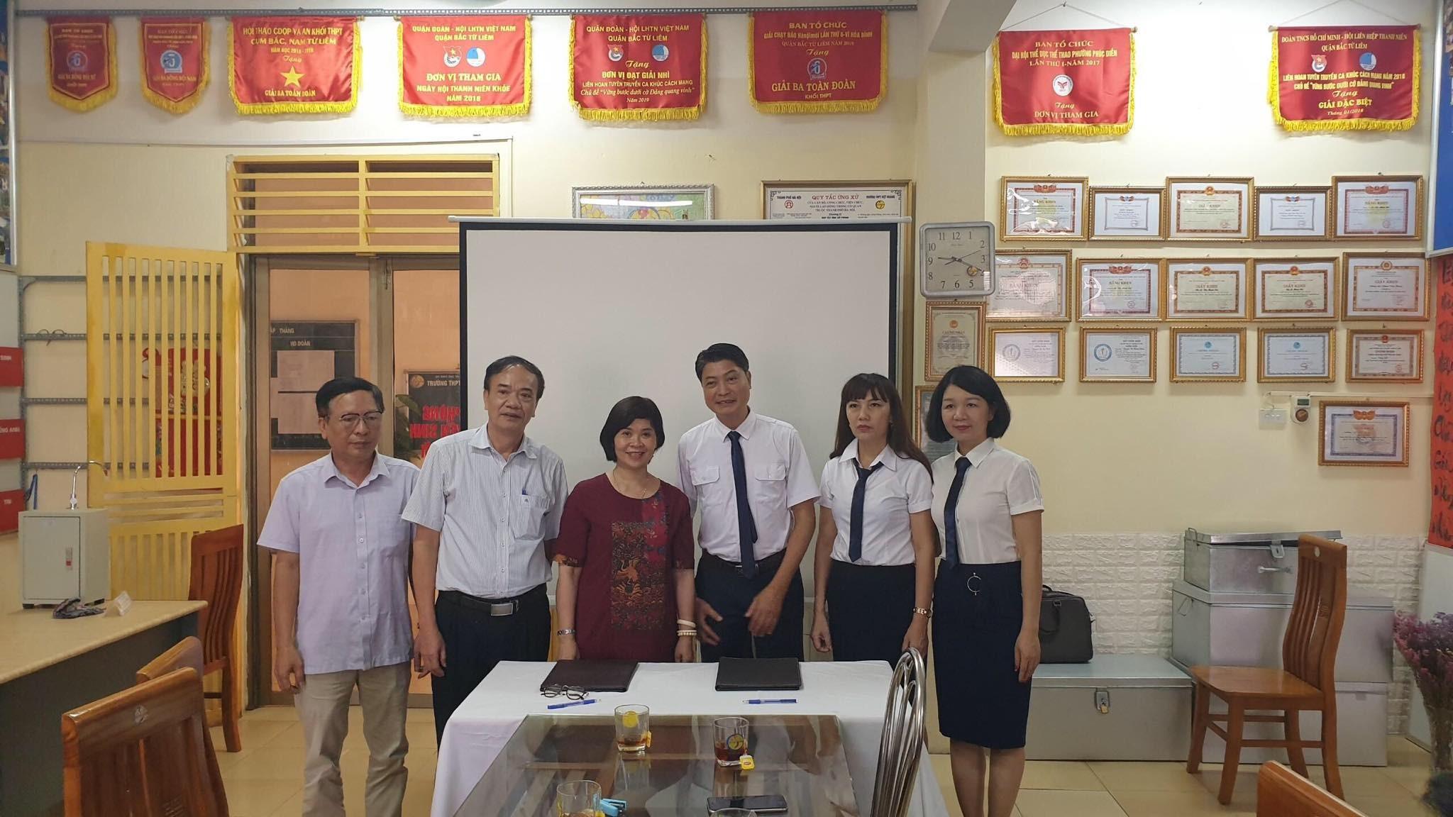 Trường THPT Việt Hoàng Hà Nội chuẩn bị công tác giới thiệu hướng nghiệp nghề hàng không cho học sinh năm học 2020-2021 và những năm tiếp theo
