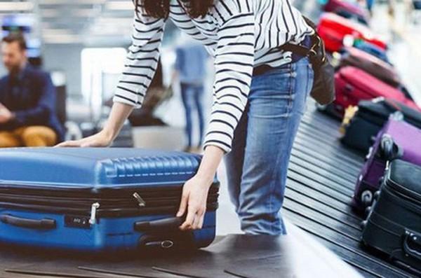 TTại sao mỗi hành khách thường chỉ được mang tối đa 7kg hành lý xách tay khi lên máy bay?