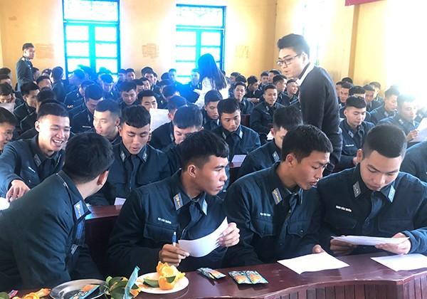 Trung tâm DVVL tỉnh Lạng Sơn tổ chức tư vấn hướng nghiệp ngành An ninh Hàng không cho quân nhân xuất ngũ