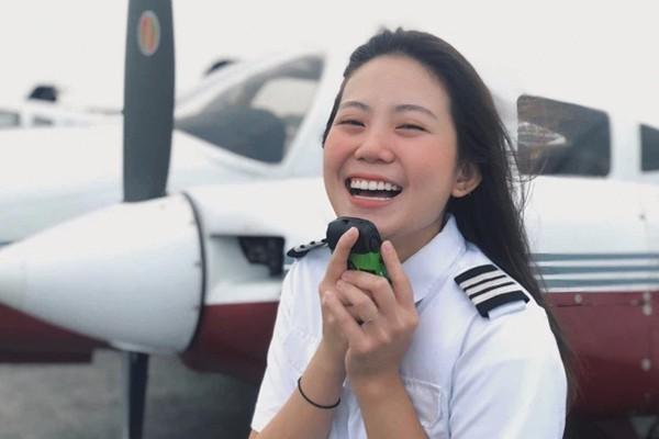 Nữ sinh bỏ bằng Kiến trúc đi học phi công: Học phí 4,6 tỷ và những góc khuất ít ai biết