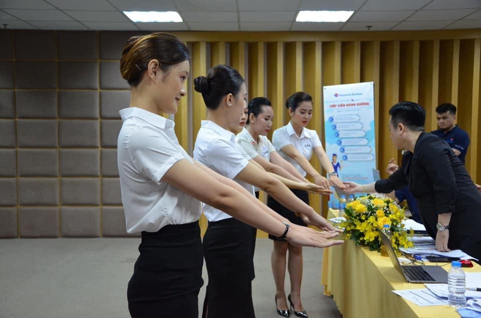 TFormat thi tuyển Tiếp viên hàng không Vietravel Airlines lần thứ nhất năm 2020