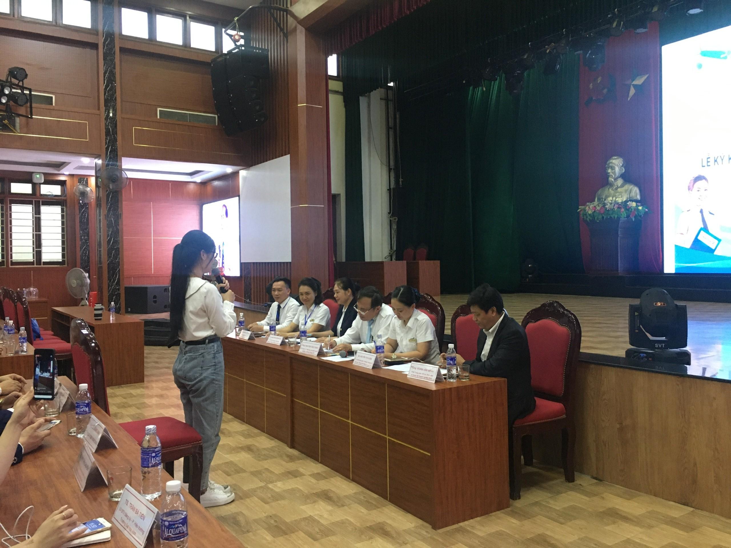 TTọa đàm và phỏng vấn tuyển sinh tại Đại học Vinh - thành công ngoài mong đợi
