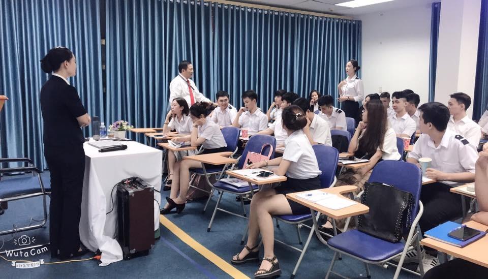 Ngành hàng không - Điều kiện làm việc và cơ hội nghề nghiệp