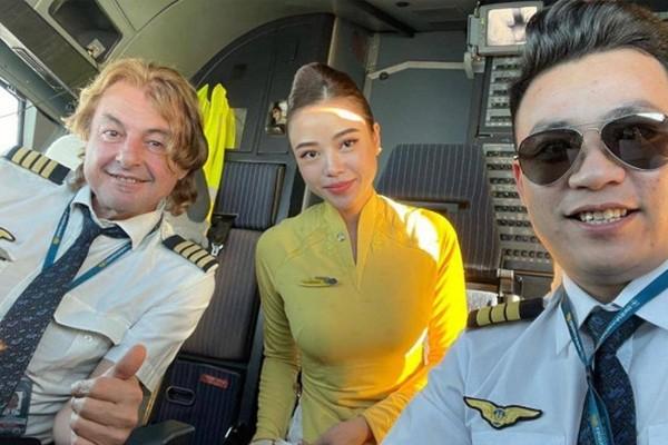 TTiếp viên hàng không kể kỷ niệm đón Tết... trên mây