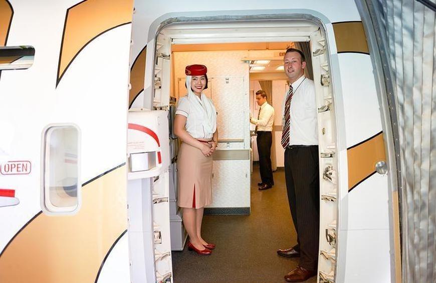TBí mật sau lời chào của tiếp viên hàng không