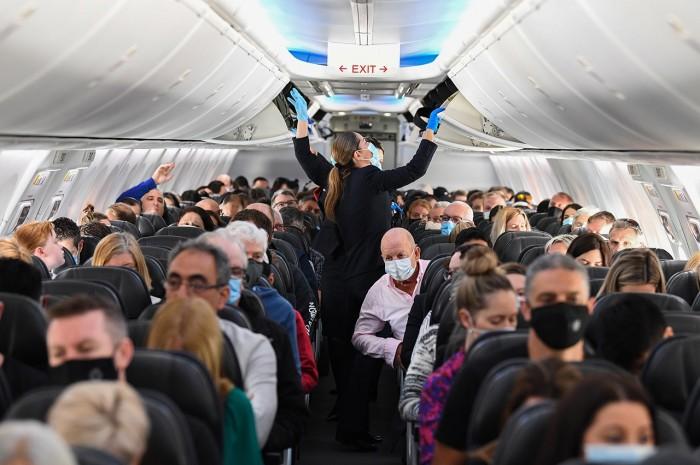 TNghịch lý khách tăng trở lại, hàng không Mỹ chật vật hồi phục