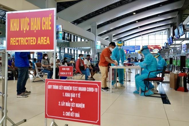 TĐường hàng không Việt Nam nhộn nhịp nhất thế giới vắng vẻ lạ thường