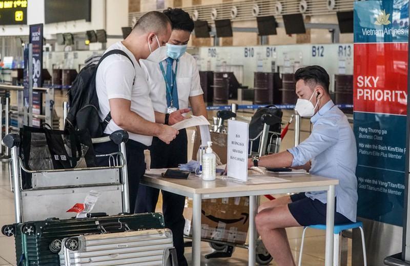 """Sân bay Nội Bài: 2.000 camera truy vết F0 cùng hệ thống hiện đại """"ngăn"""" Covid"""