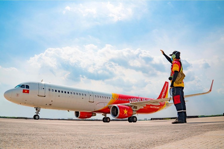Vietjet Air tuyển dụng Nhân viên tài liệu và thông thoại - Loading & Headset  staff