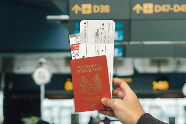 TVì sao khoe vé máy bay lên mạng lại nguy hiểm?